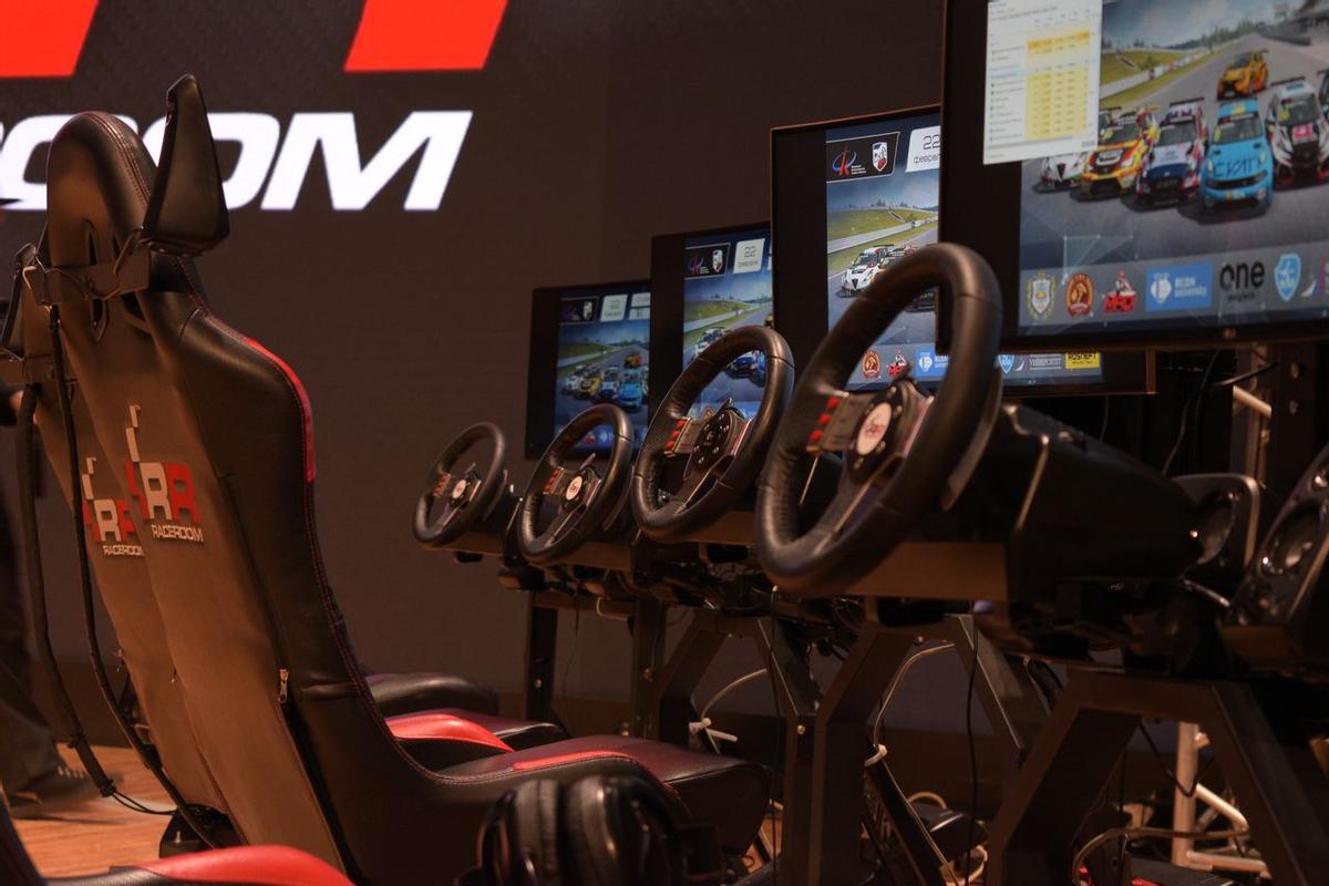 Как попасть в виртуальный автоспорт