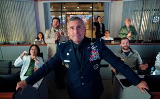 «Космические силы» выйдут на Netflix 29 мая: первые кадры сериала от автора «Офиса» с Кареллом и Малковичем