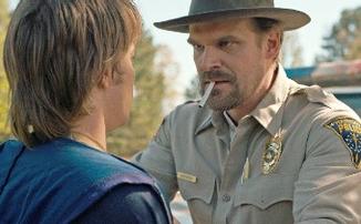 Герои оригинальных сериалов Netflix будут меньше курить