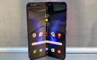 Фиаско Galaxy Fold - Складные смартфоны сломались уже на старте продаж